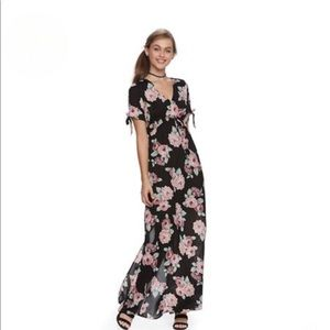BOGO Lily Rose Maxi Dress Small Black Floral.